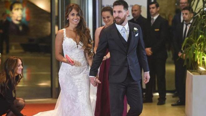 Antonella Rocuzzo y Lionel Messi, el dia de su boda.