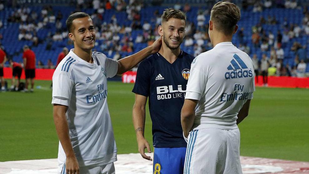 Medrán (23) con sus excompañeros del Madrid Lucas Vázquez y Marcos...