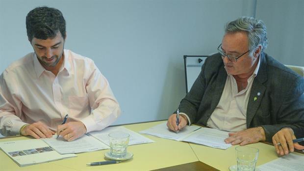 El gobierno bonaerense firmó un acuerdo con Anses para ampliar la AUH