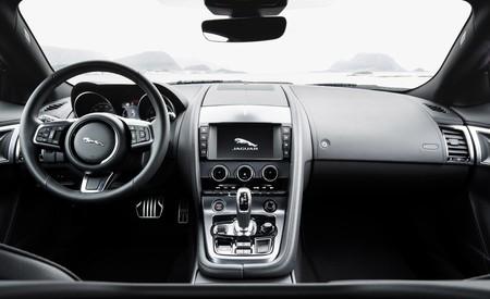 Jaguar F Type 2 0 2018 003