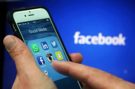 Snapchat vs Instagram (Bloomberg)