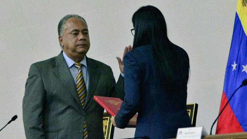 Elvis Amoroso sustituirá a Istúriz en la primera vicepresidencia de la ANC