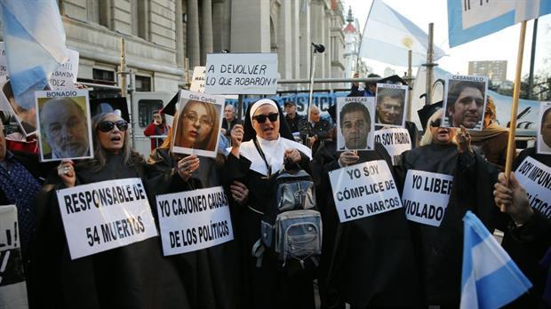 Comenzó la marcha en Tribunales por el avance de las causas de corrupción