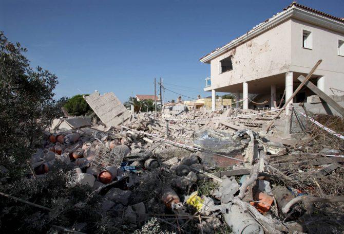 Estado en que quedó la vivienda que explotó en Alcanar