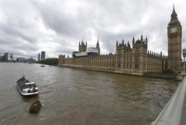 Detenido en Londres un hombre con un cuchillo cerca del Parlamento británico
