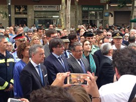 Ada Colau y Carles Puigdemont se disculpan ante las víctimas de Hipercor por si no se ha estado a la altura