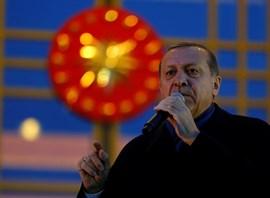Erdogan anuncia que planea viajar al Golfo para intentar rebajar las tensiones entre Qatar y países de la región