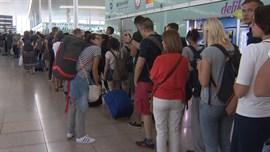 Fomento del Trabajo pide medidas extraordinarias para frenar la huelga en El Prat