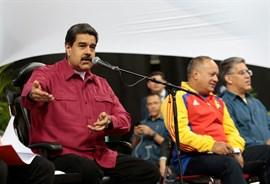 Maduro aplaude a las fuerzas de seguridad por repeler el