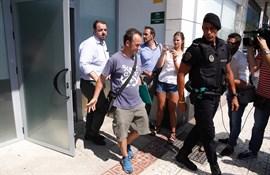 El juez cita a Juana Rivas, que se expone a orden de detención, y al padre de sus hijos