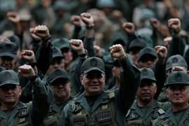 Las Fuerzas Armadas venezolanas respaldan a Maduro frente a las