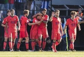 Sevilla y Espanyol se reparten el estreno y la Real remonta al Celta