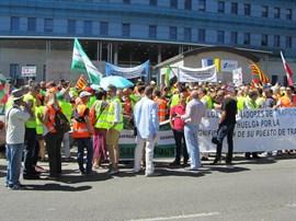 Los examinadores mantienen la huelga indefinida a partir del 4 de septiembre al no llegar a un acuerdo con la DGT