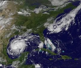 'Harvey' se convierte en huracán de categoría 3 con vientos de 200 kilómetros por hora