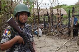 Cerca de 90 muertos por los ataques de insurgentes rohingya contra puestos de control en Rajine