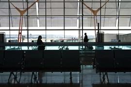 Más de 50 saharauis se declaran en huelga de hambre en el aeropuerto de Barajas para reclamar asilo