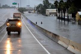 Cruz Roja Mexicana envía voluntarios a Texas para ayudar a los afectados por el huracán 'Harvey'