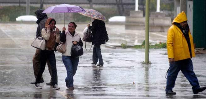 Con fuerza llegó tormenta Harvey a Venezuela