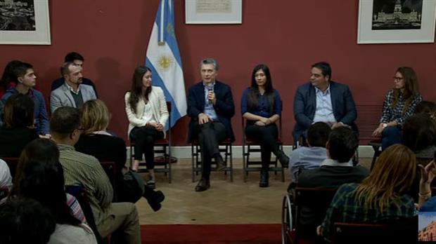 Mauricio Macri se reunión con jóvenes que accedieron a su primer empleo