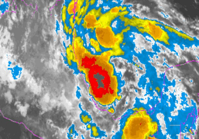 Activan más de 7 mil funcionarios de Protección Civil ante tormenta Harvey