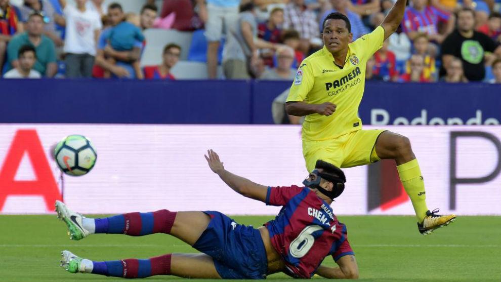 A Carlos Bacca, ahora en el Villarreal, se le dio bien el Betis...