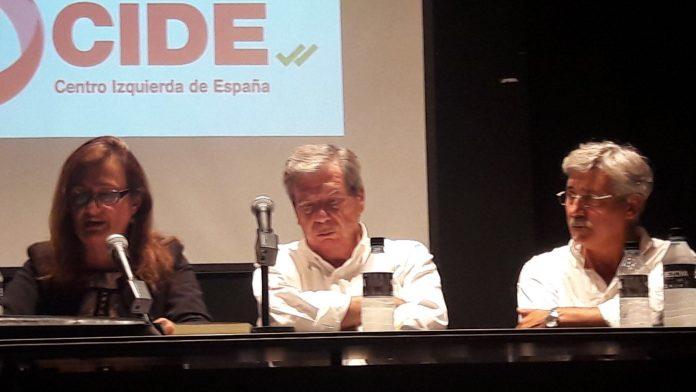Charo Cañete, José Luis Corcuera y Antonio Robles