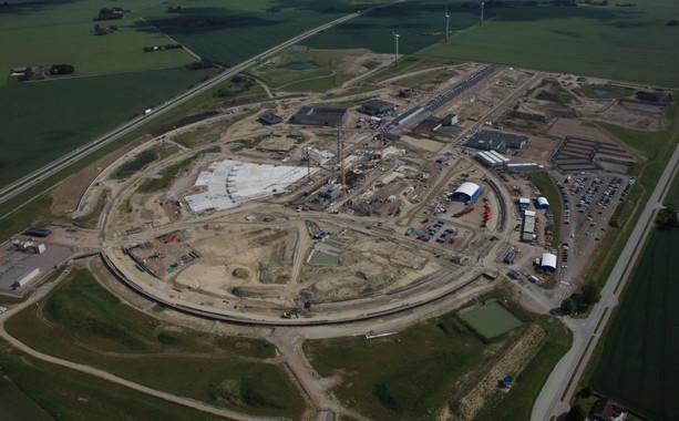 <p>Vista aérea del pasado mes de julio del estado de las obras de construcción de la Fuente Europea de Neutrones por Espalación en Lund (Suecia). / Perry Nordeng / ESS</p> <p>&#8220;/></p> <div class=