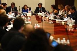 Santamaría reúne a los secretarios de Estado para aprobar medidas contra las leyes de ruptura de la Generalitat catalana