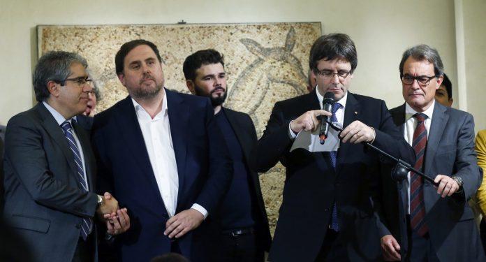 Francesc Homs, Oriol Junqueras, Gabriel Rufián, Carles Puigdemont y Artur Mas, en una imagen de archivo. / Efe