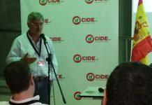 El exdiputado Antonio Robles, miembro del Consejo Nacional de dCIDE, en un momento de su alocución a la Asamblea Nacional del partido.
