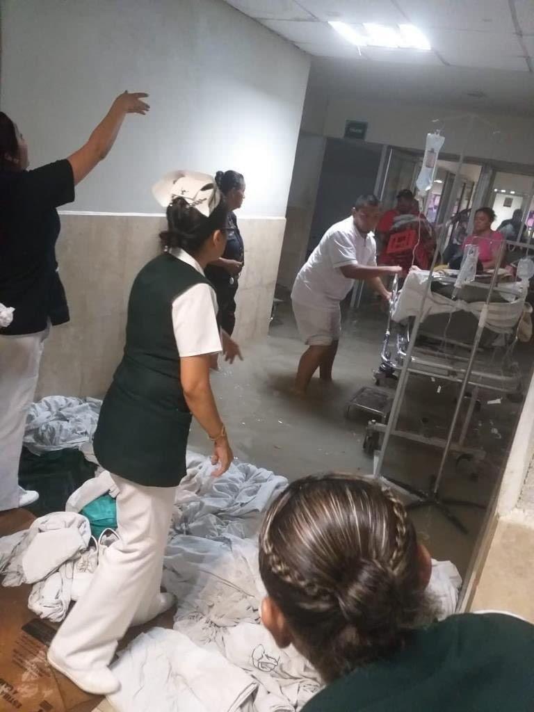 Tromba en Texas y Reynosa provoca inundaciones y cierre de